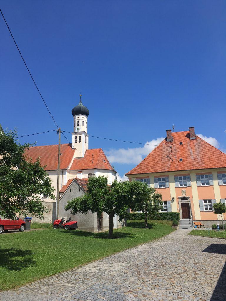 St. Martin Wörnitzstein mit Pfarrhaus